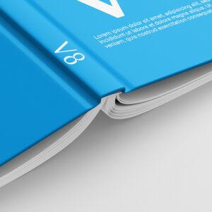 Kniha V8 hřbet